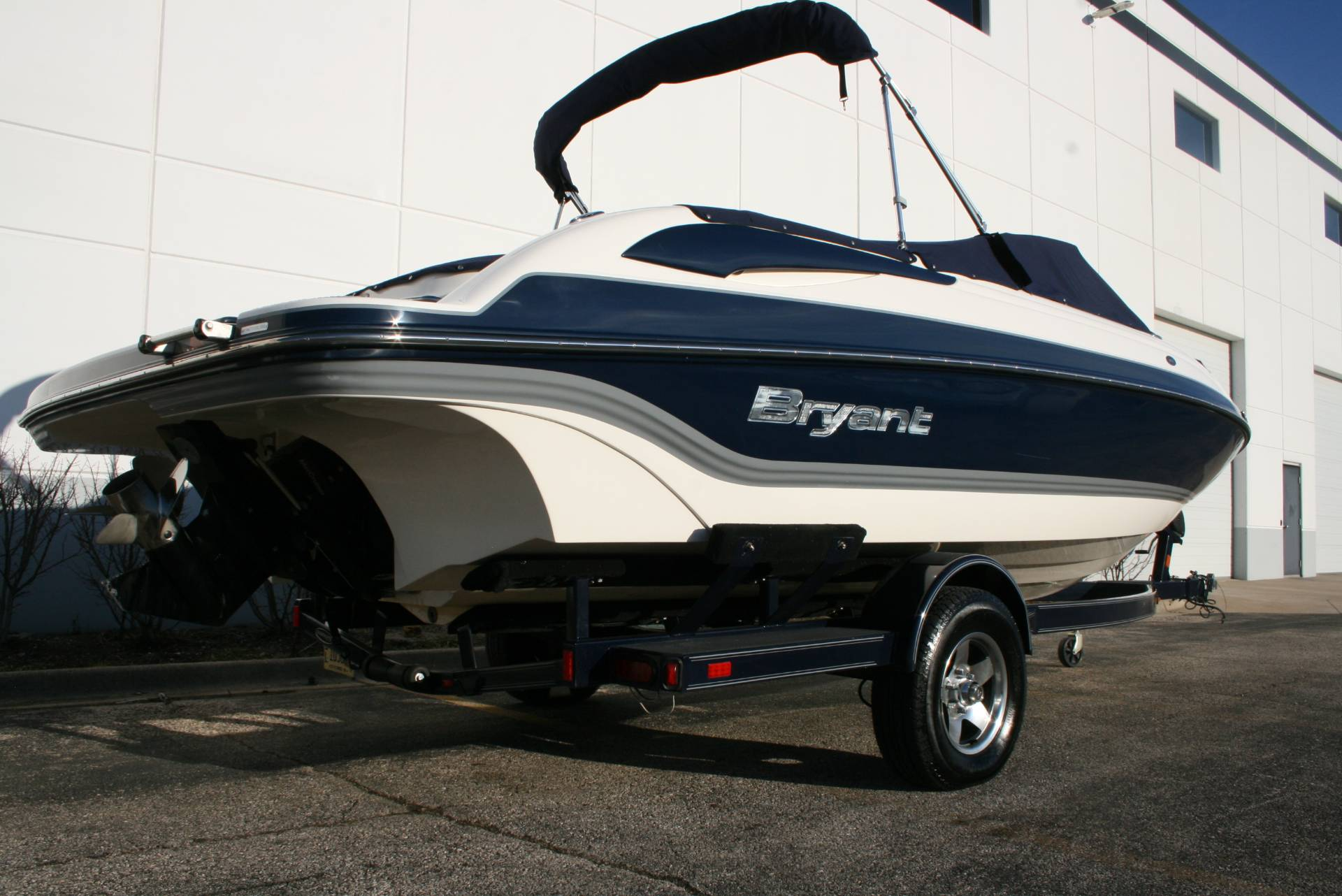 2008 Bryant 233 in Lake Zurich, Illinois