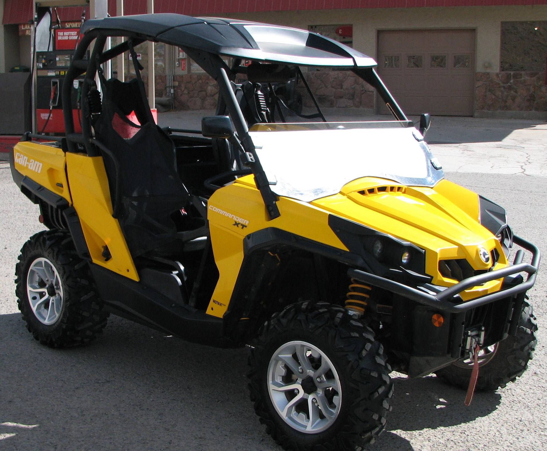 2015 Can-Am Commander™ XT™ 1000 in Lake City, Colorado - Photo 2