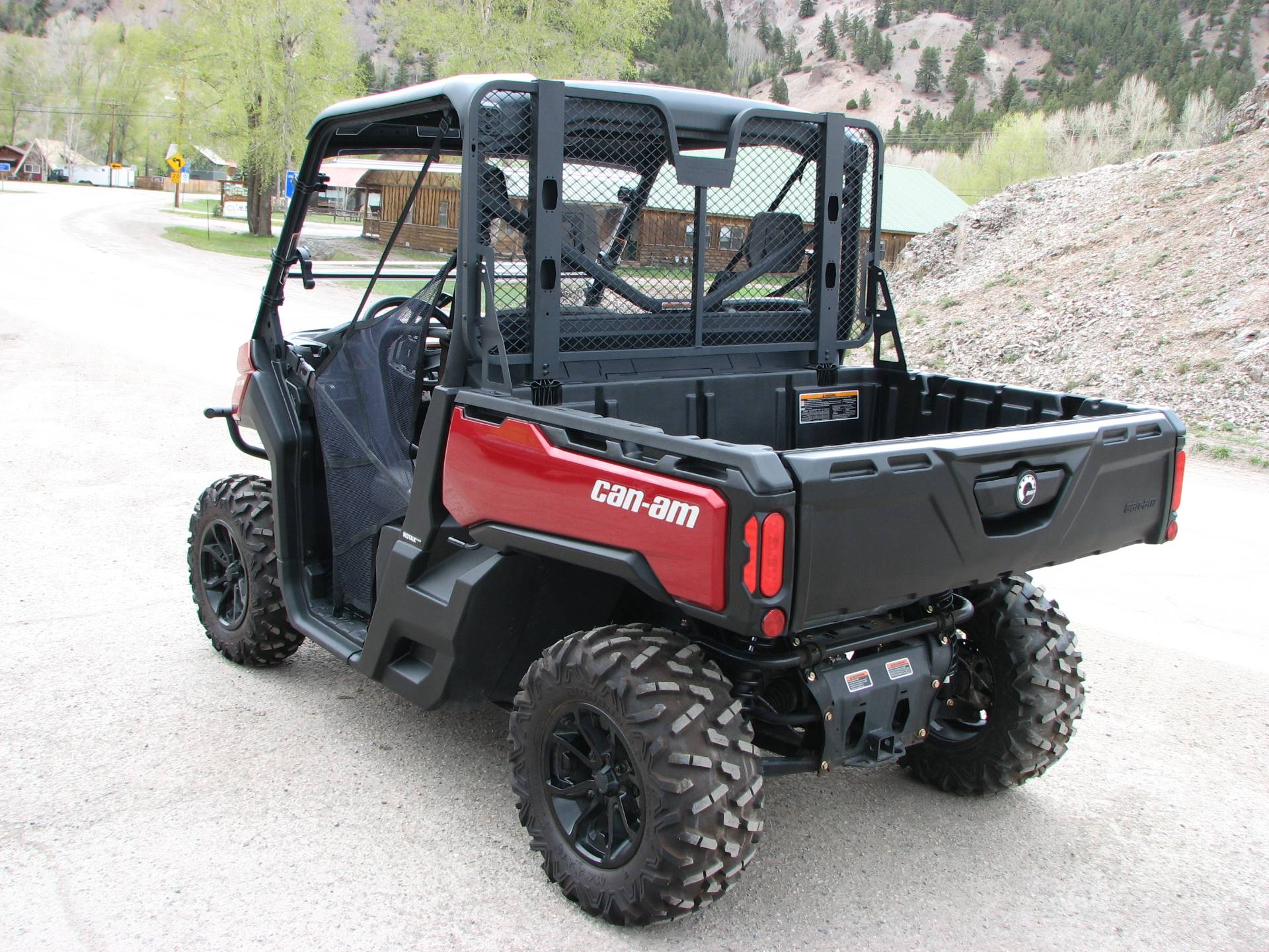 2017 Can-Am Defender XT HD10 in Lake City, Colorado - Photo 3
