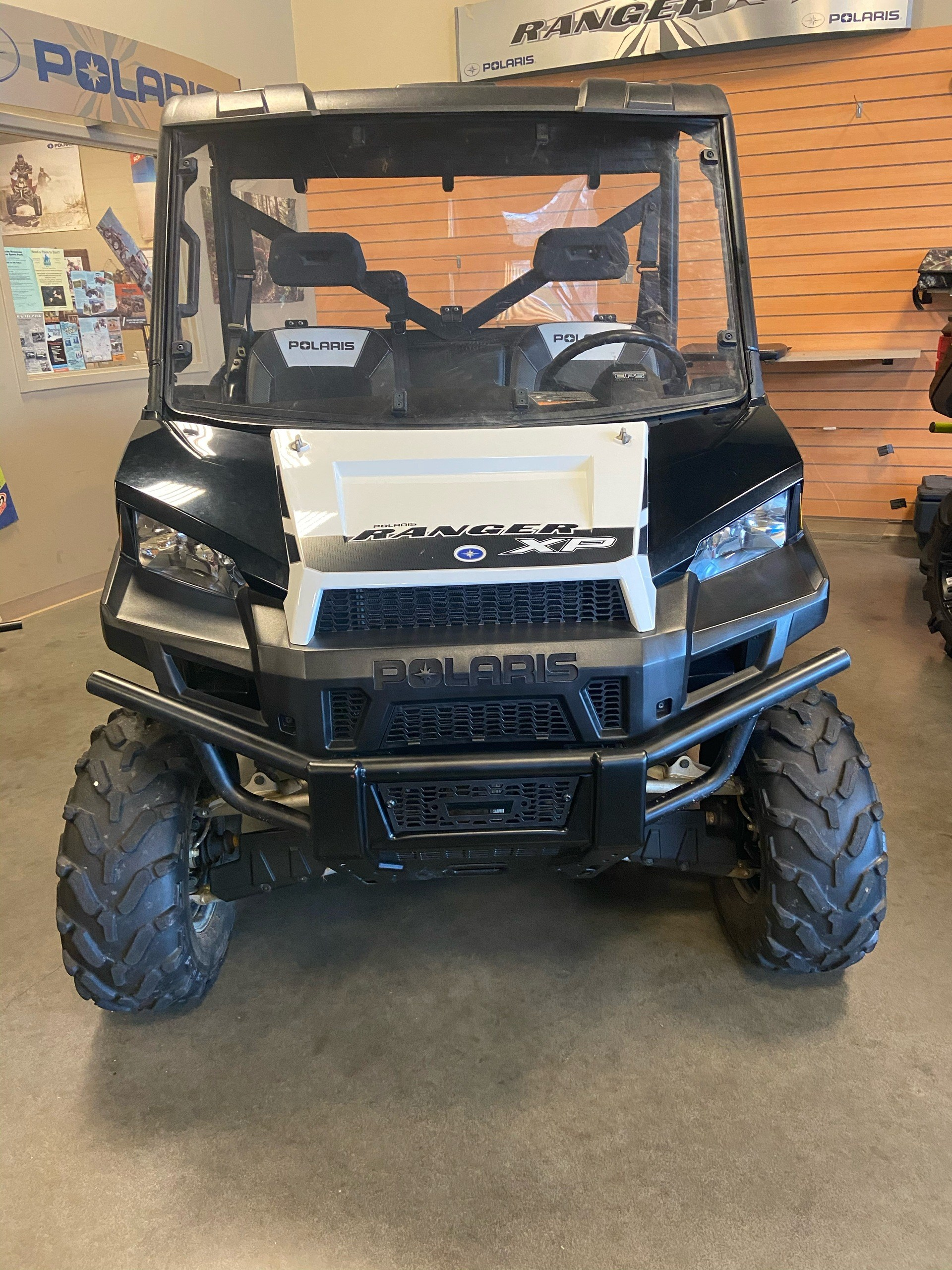 2015 Polaris Ranger XP® 900 EPS in High Point, North Carolina - Photo 2