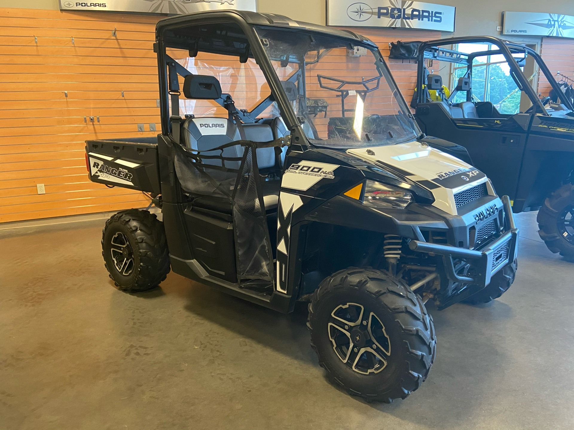 2015 Polaris Ranger XP® 900 EPS in High Point, North Carolina - Photo 3