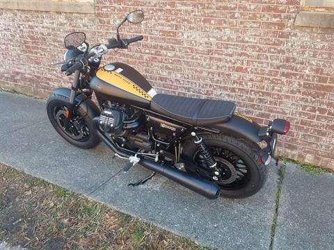 2017 Moto Guzzi V9 Bobber in Greensboro, North Carolina