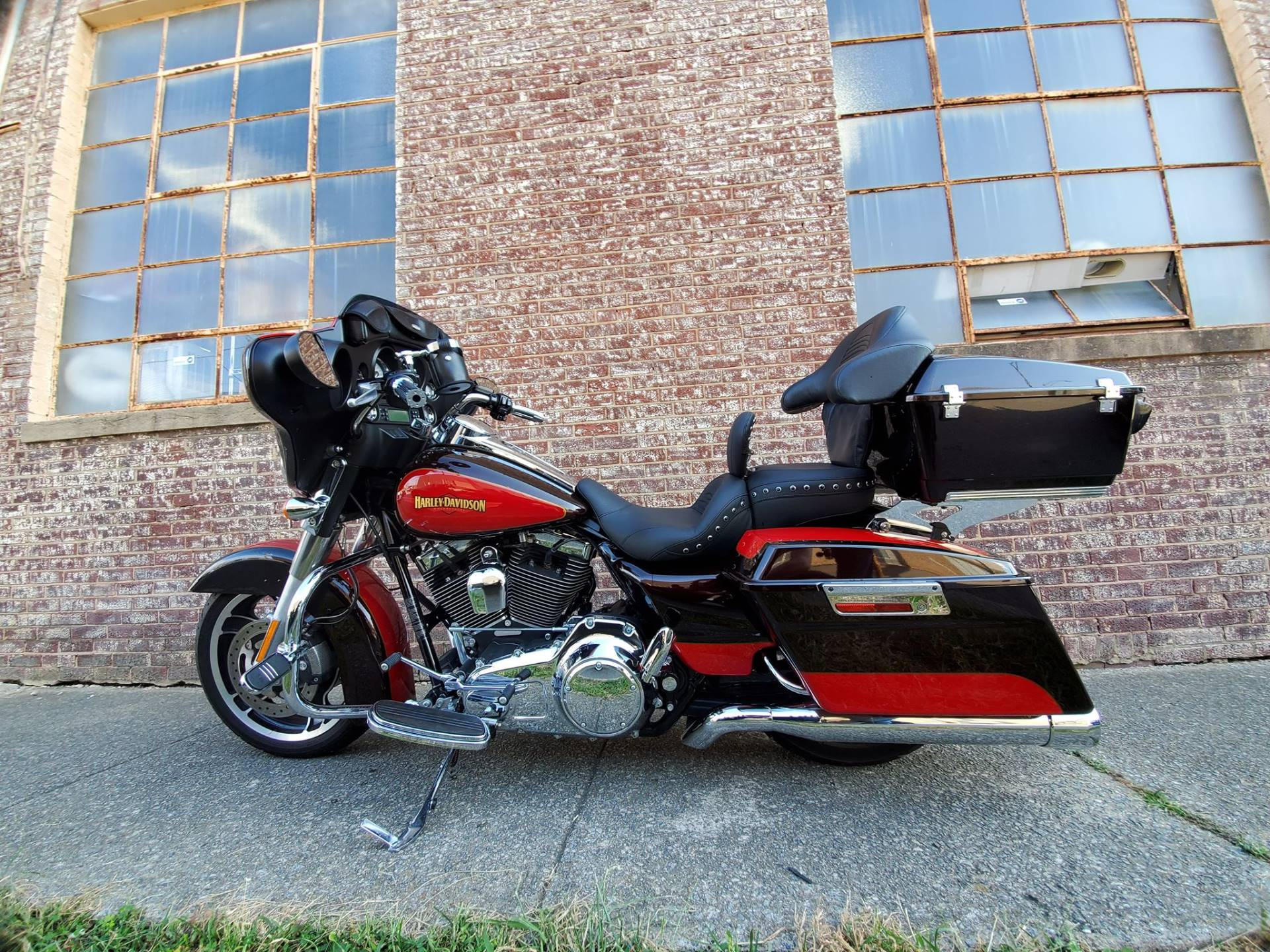 2010 Harley-Davidson Street Glide® in Greensboro, North Carolina - Photo 6
