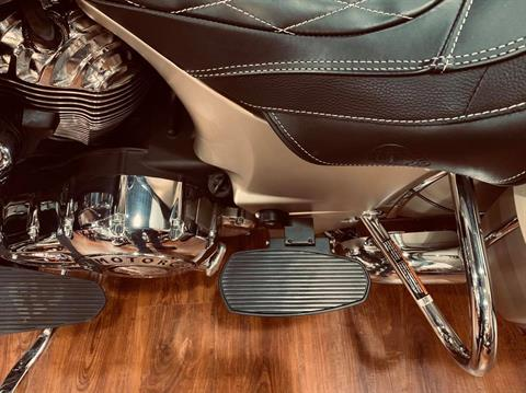 2020 Indian Roadmaster® Icon Series in Greensboro, North Carolina - Photo 16