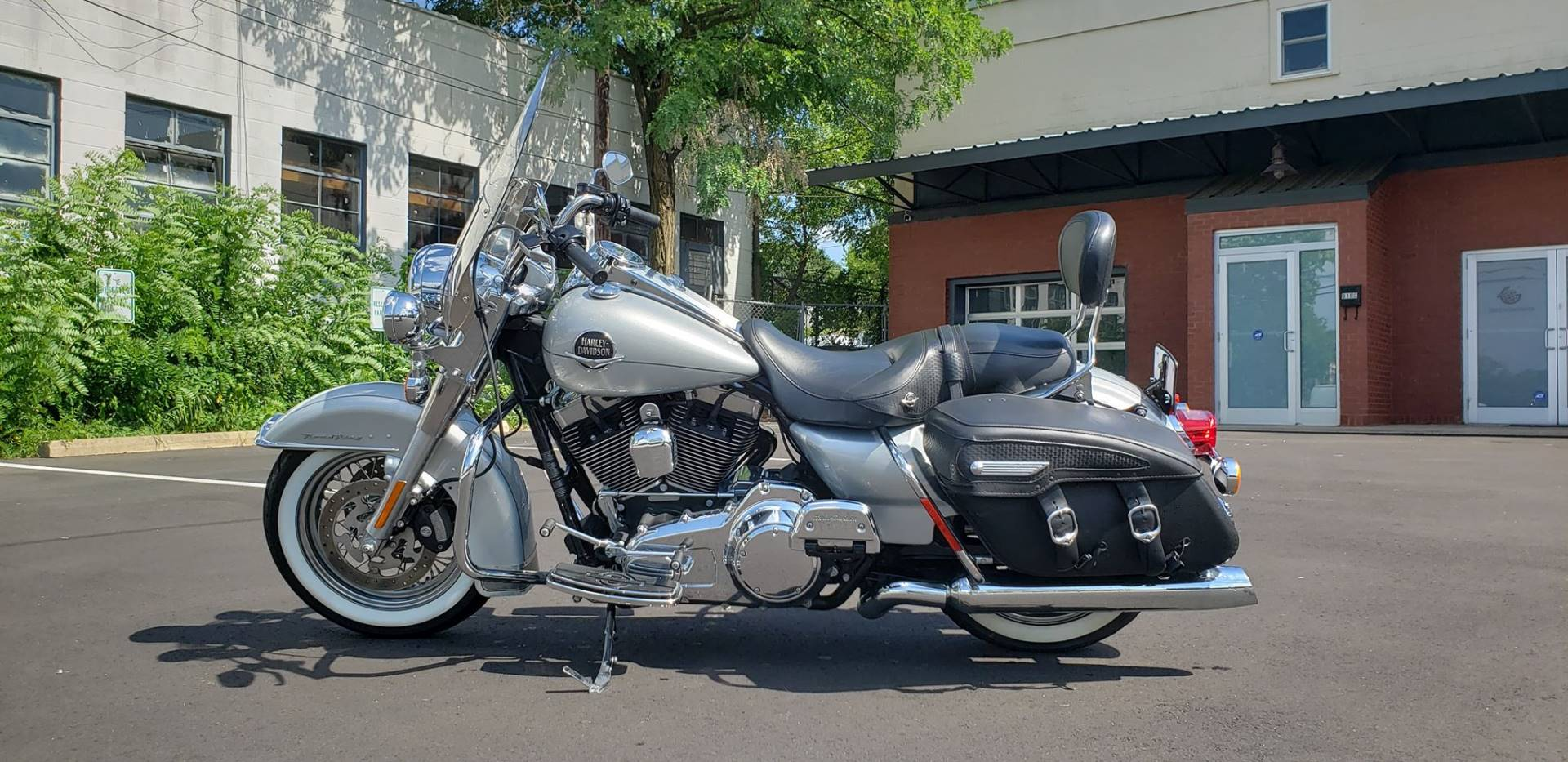 2010 Harley-Davidson Road King® Classic in Greensboro, North Carolina - Photo 4