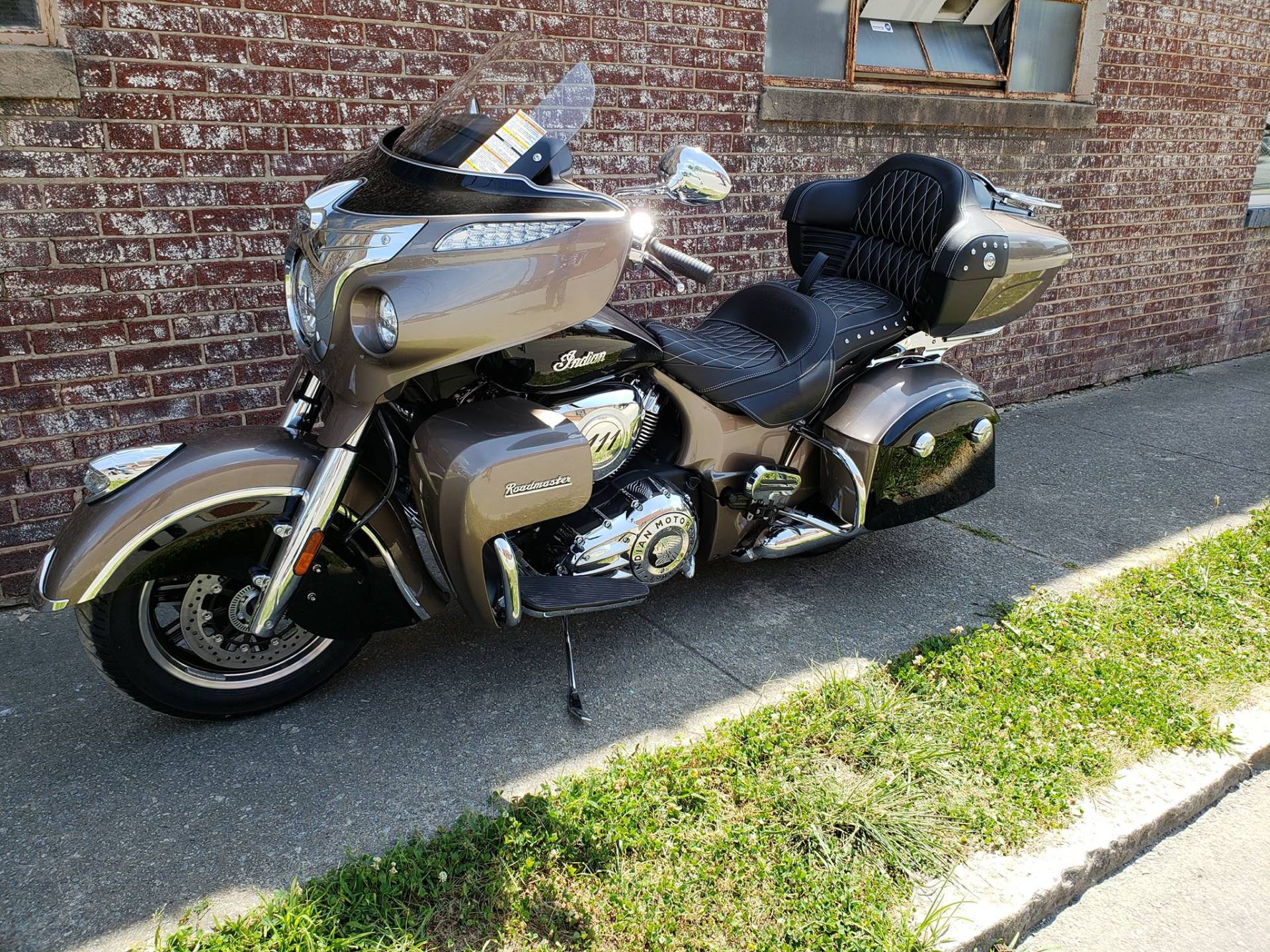 2018 Indian Roadmaster® ABS in Greensboro, North Carolina - Photo 10