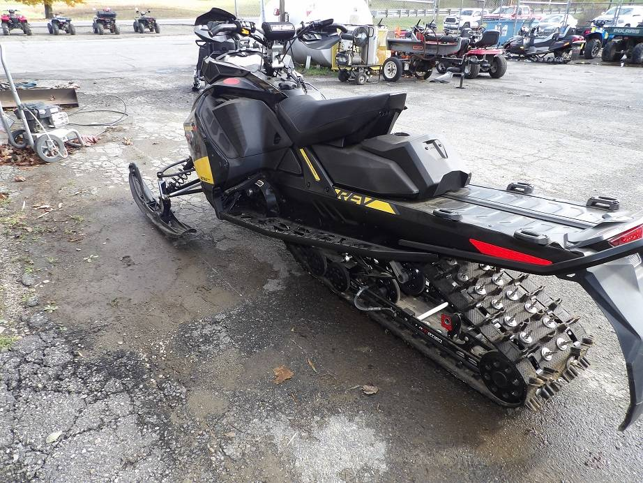 2018 Ski-Doo Renegade X 850 E-TEC ES Ice Cobra 1.6 in Unity, Maine - Photo 2