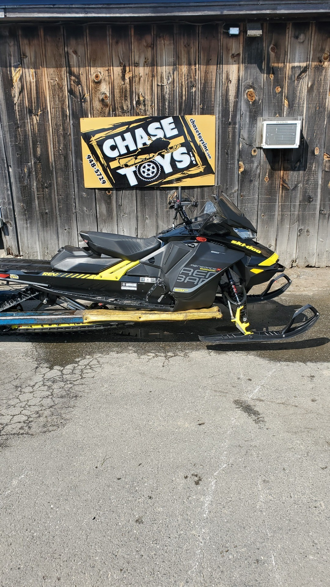 2018 Ski-Doo Renegade Backcountry X 850 E-TEC ES Ice Cobra 1.6 in Unity, Maine - Photo 1