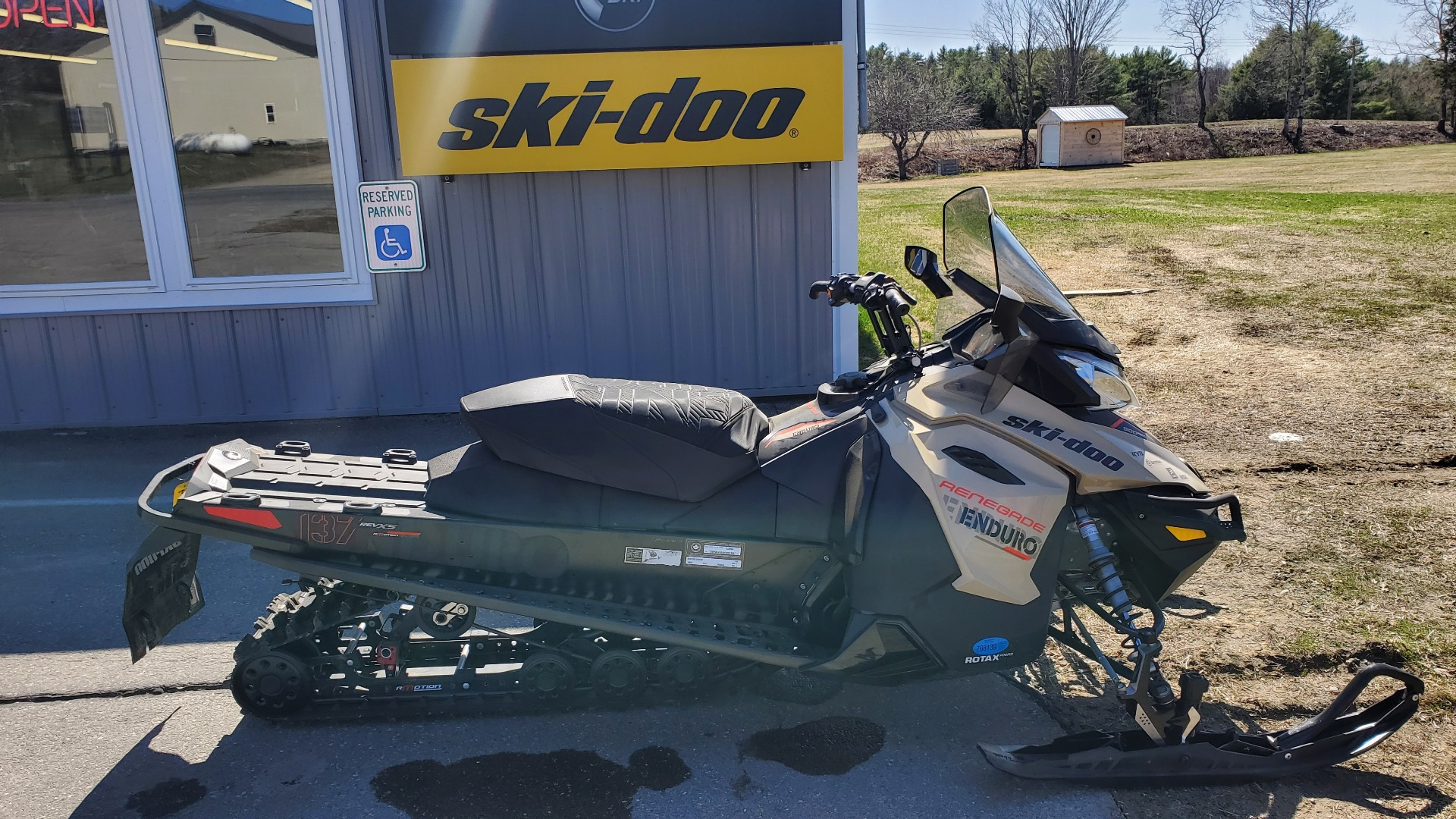 2017 Ski-Doo Renegade Enduro 900 ACE E.S. in Unity, Maine - Photo 1