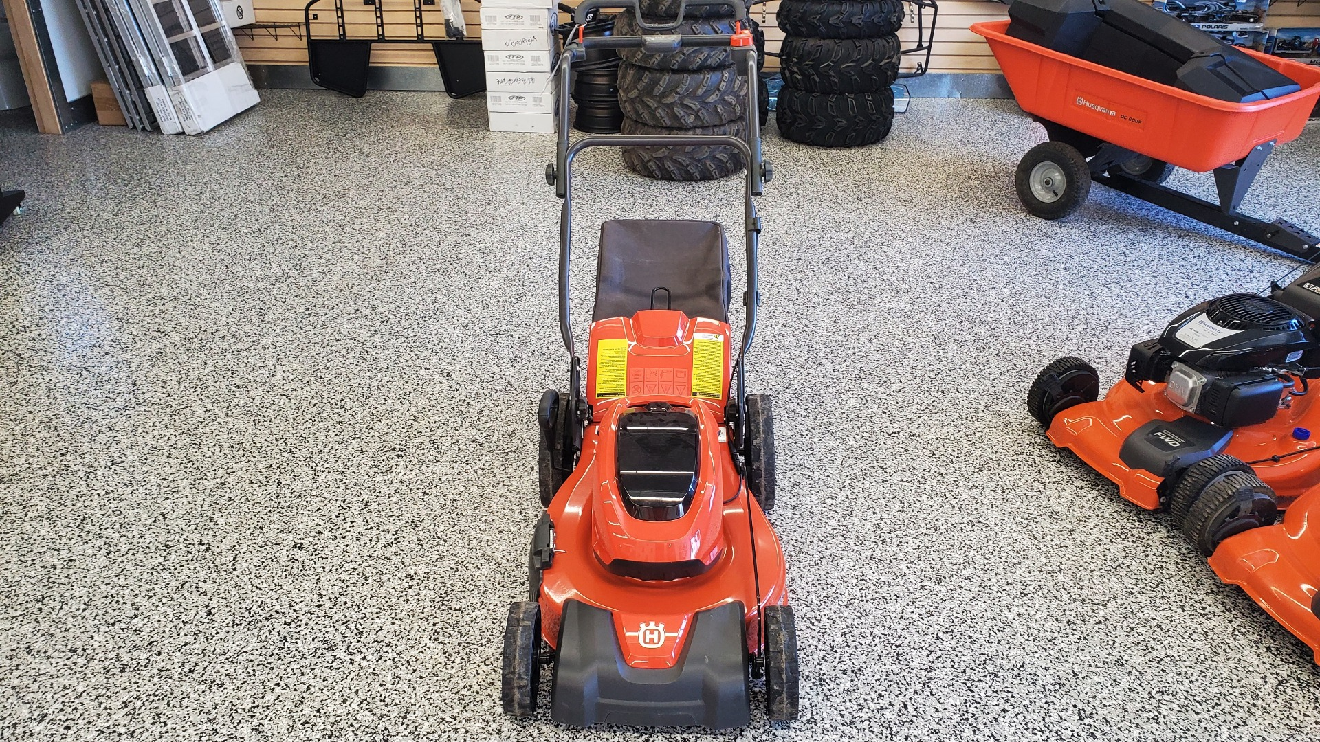 Husqvarna Power Equipment LE121P 21 in. w/ Batteries Push in Unity, Maine - Photo 2