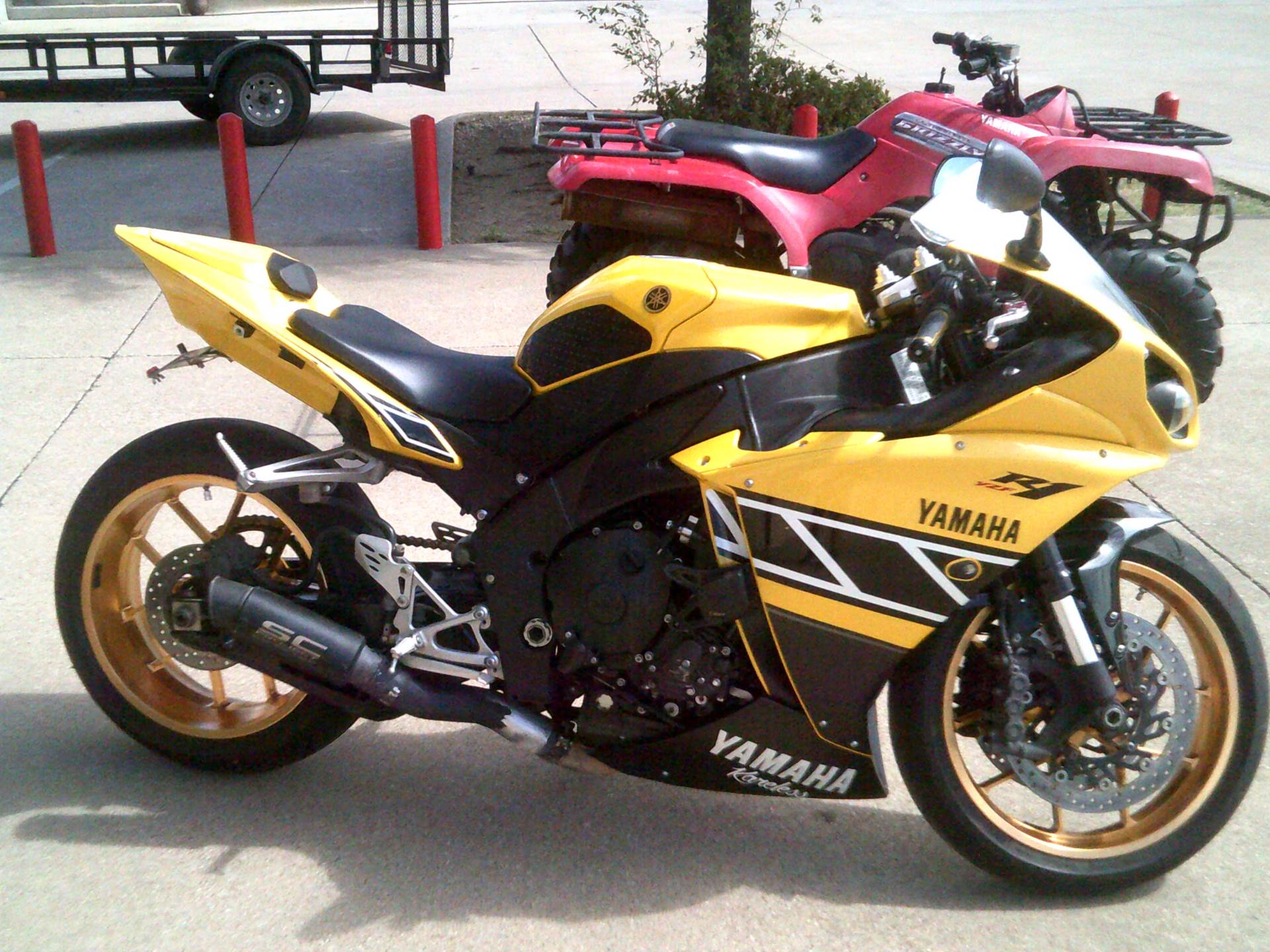 2010 Yamaha YZF-R1 in Burleson, Texas - Photo 3