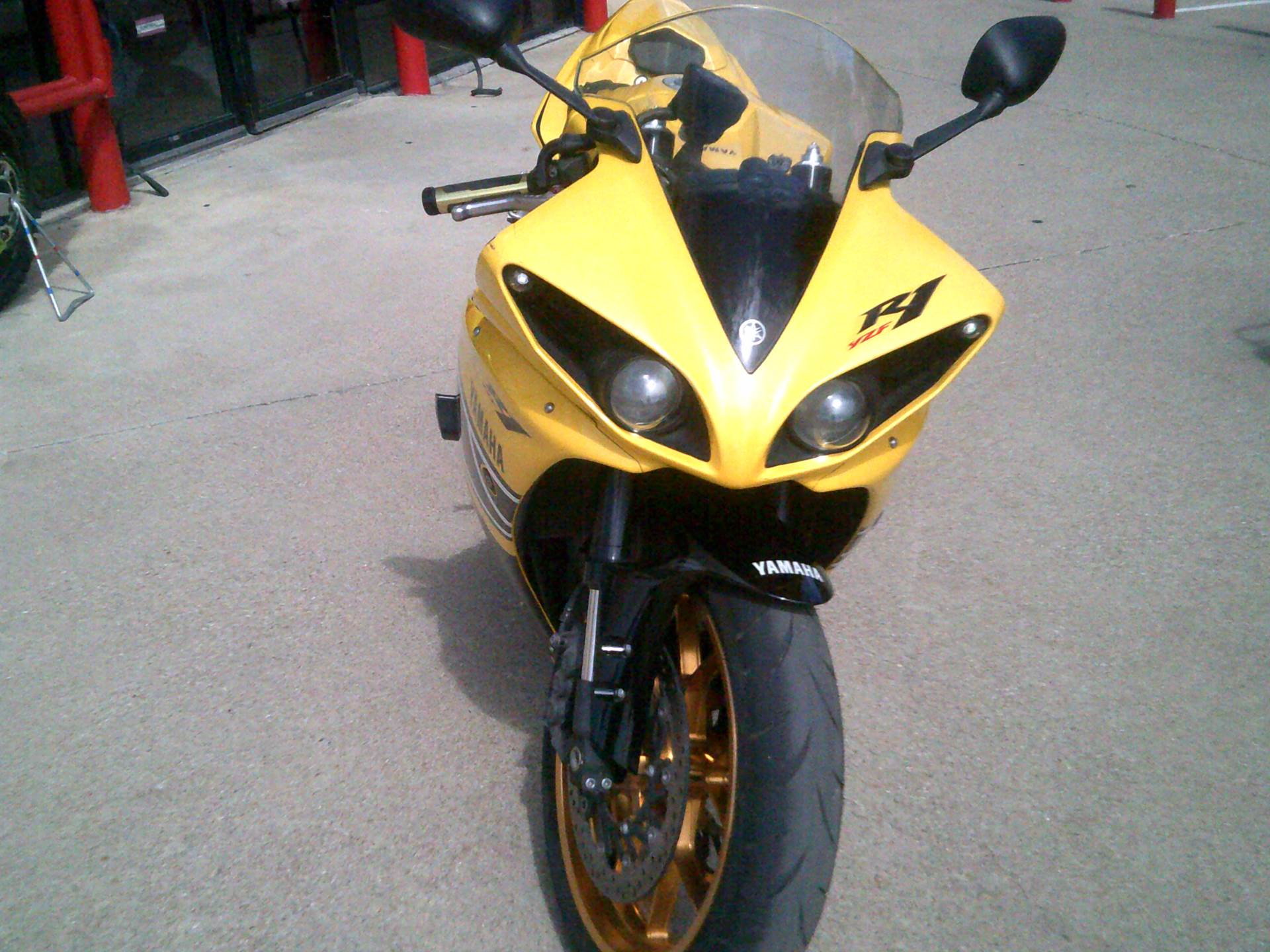 2010 Yamaha YZF-R1 in Burleson, Texas - Photo 4