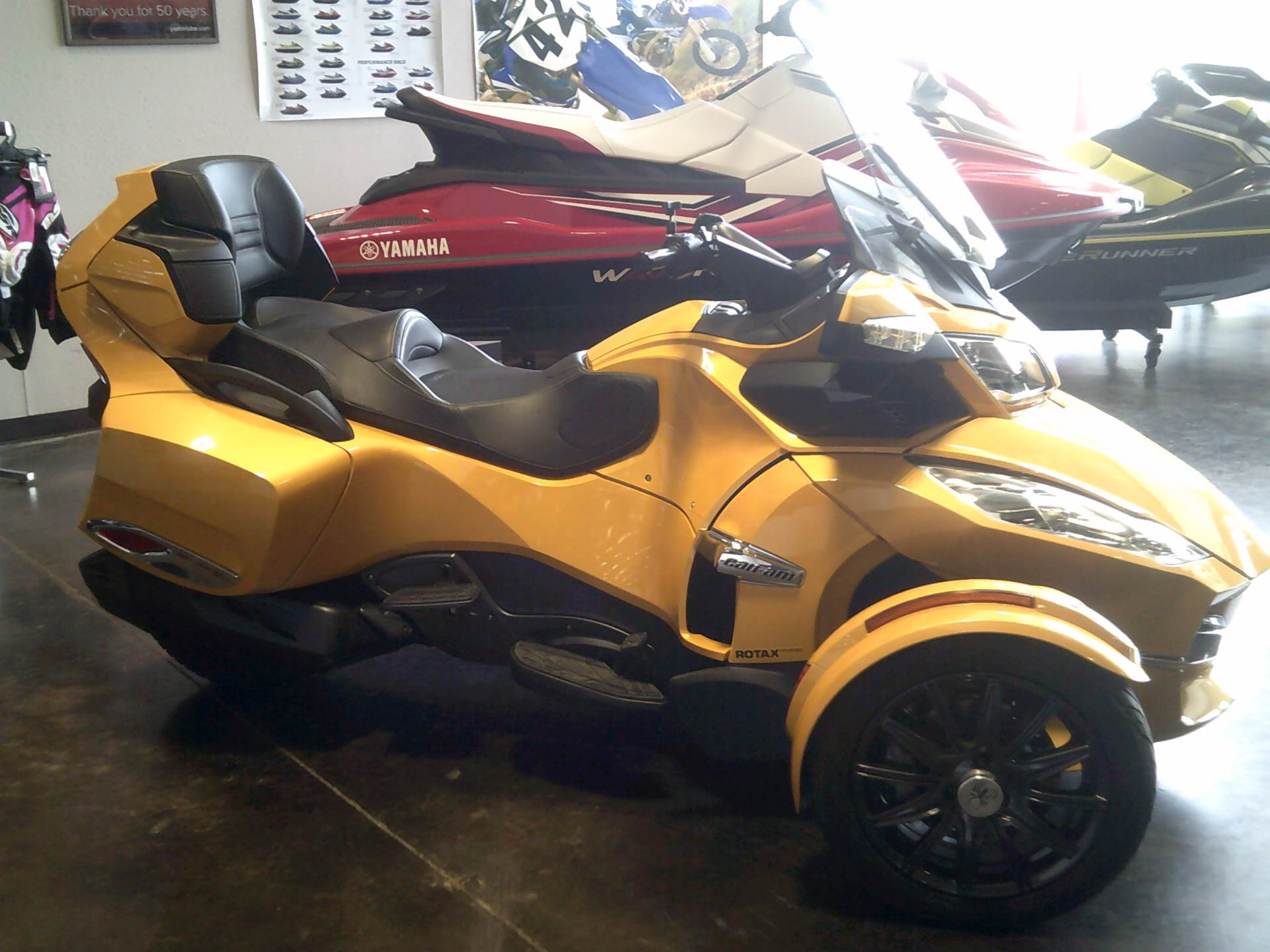 2013 Can-Am Spyder® RT-S SM5 in Burleson, Texas