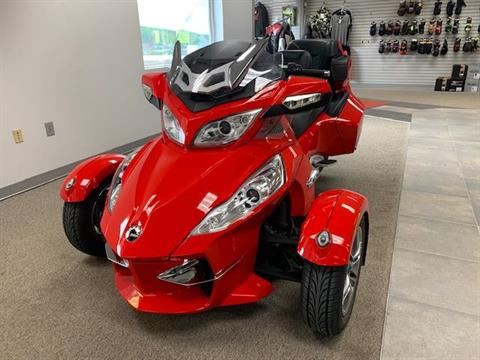 2012 Can-Am Spyder® RT-S SE5 in Berkeley Springs, West Virginia