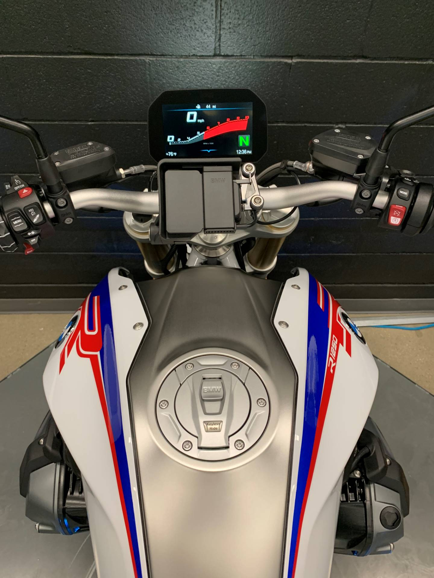 2020 BMW R1250R HP in Middletown, Ohio - Photo 6