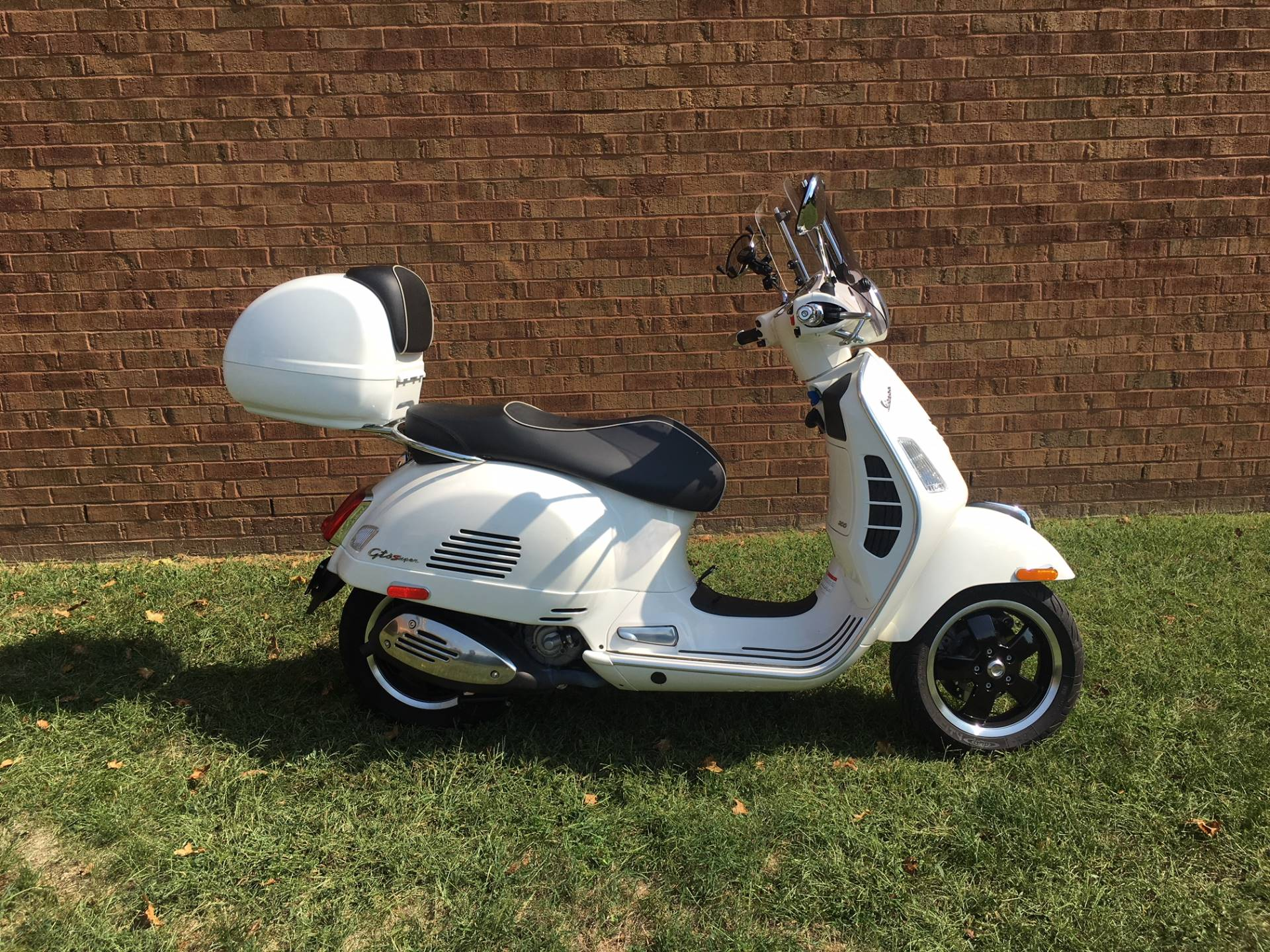 2018 Vespa GTS Super 300 in Middletown, Ohio - Photo 1
