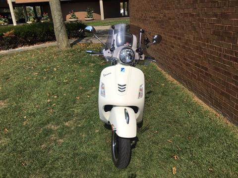 2018 Vespa GTS Super 300 in Middletown, Ohio - Photo 3