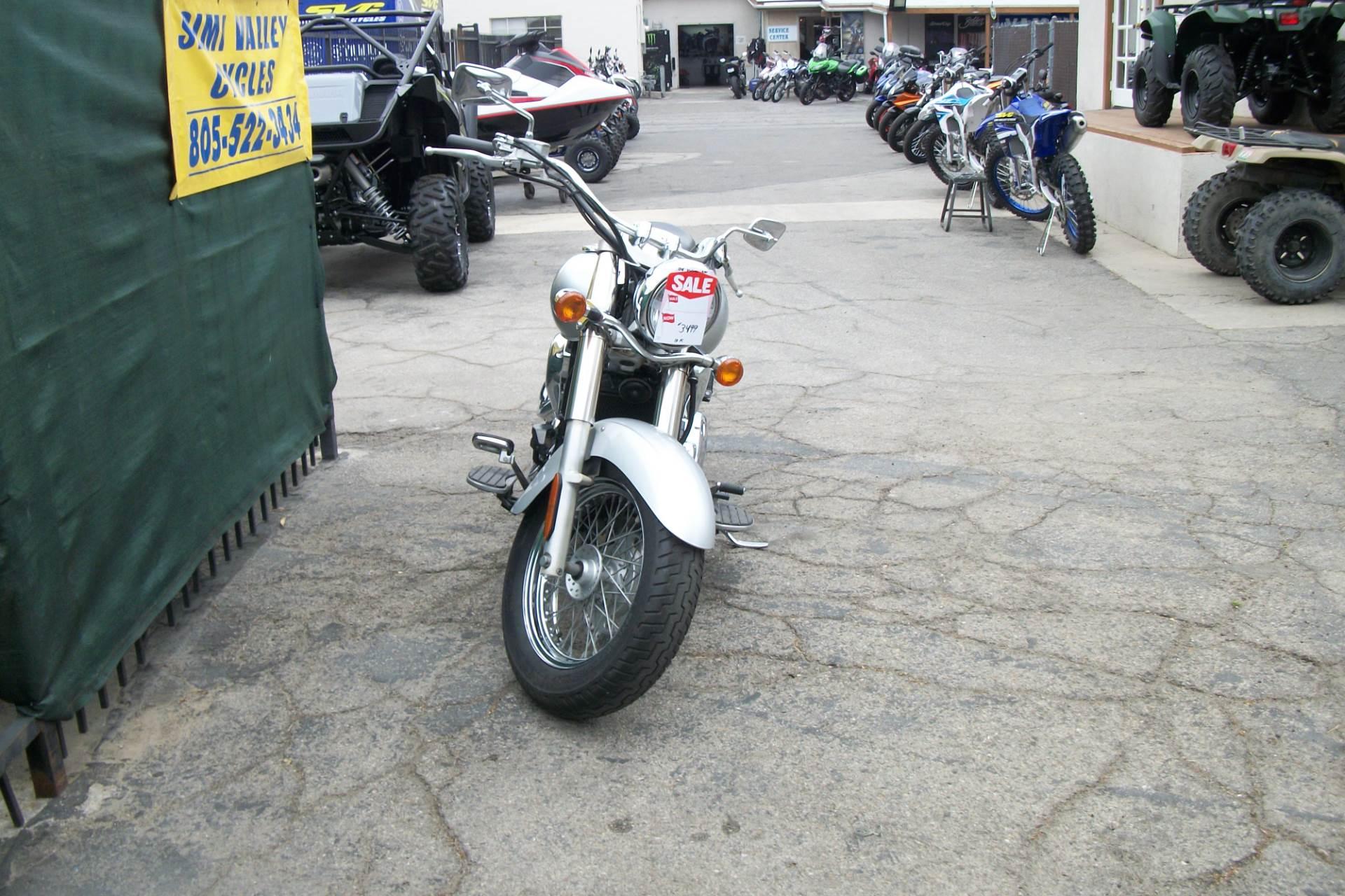 2006 Kawasaki Vulcan® 900 Classic in Simi Valley, California