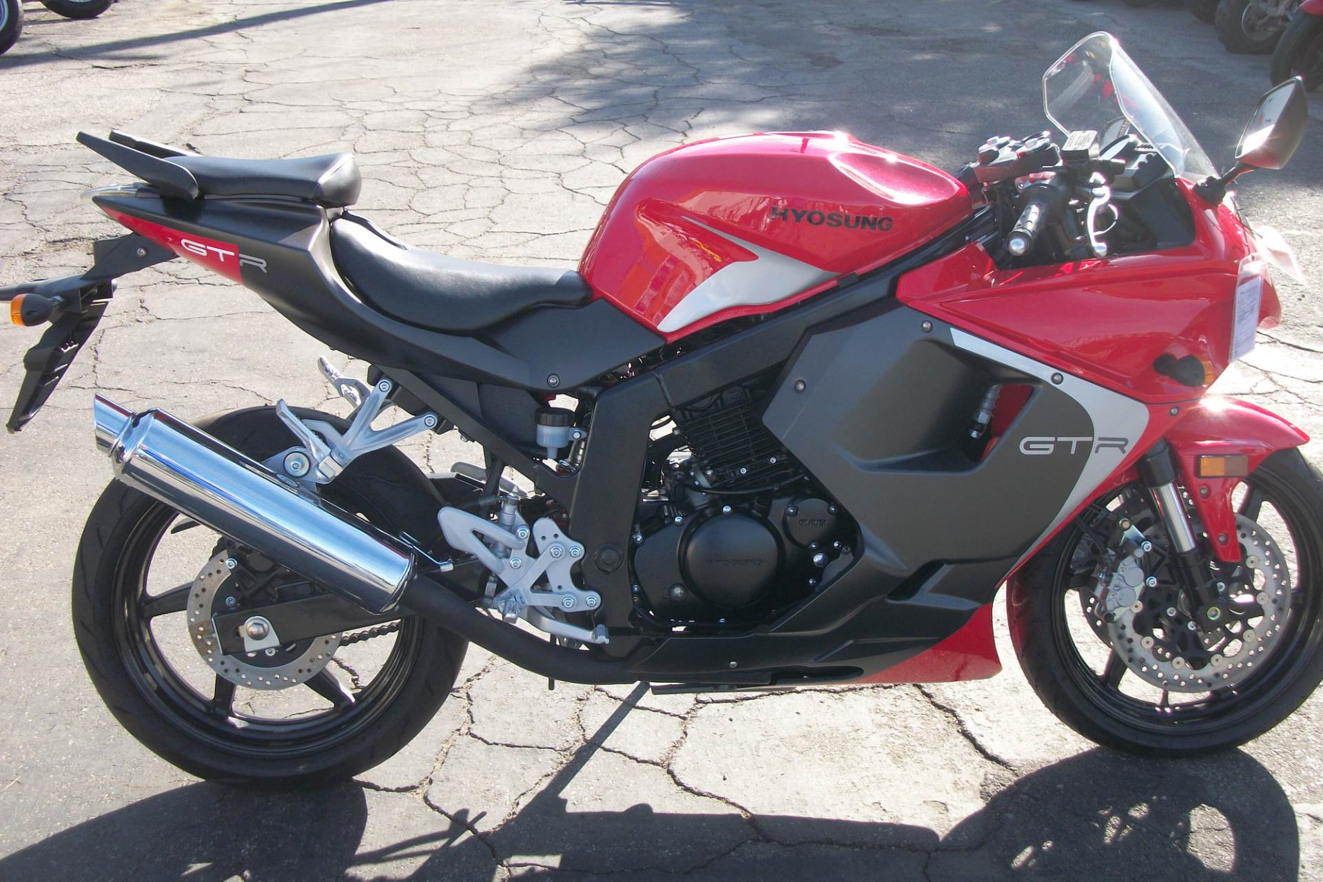 2015 Hyosung GT250R in Simi Valley, California
