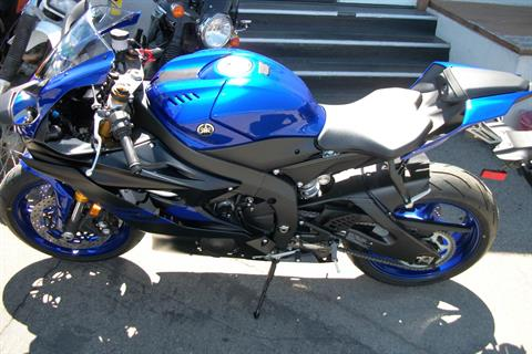 2019 Yamaha YZF-R6 in Simi Valley, California - Photo 2