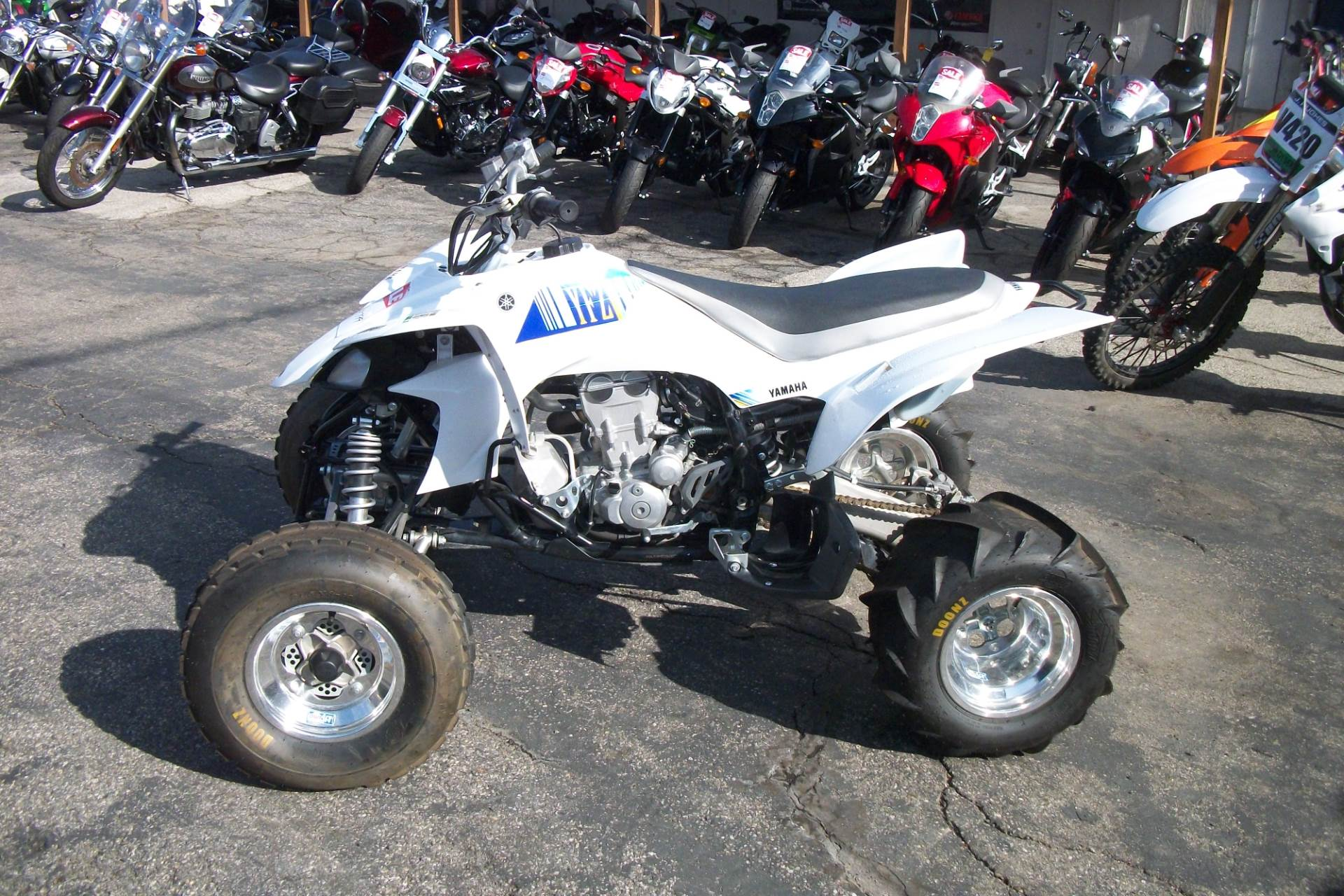 2013 Yamaha YFZ450 in Simi Valley, California - Photo 2