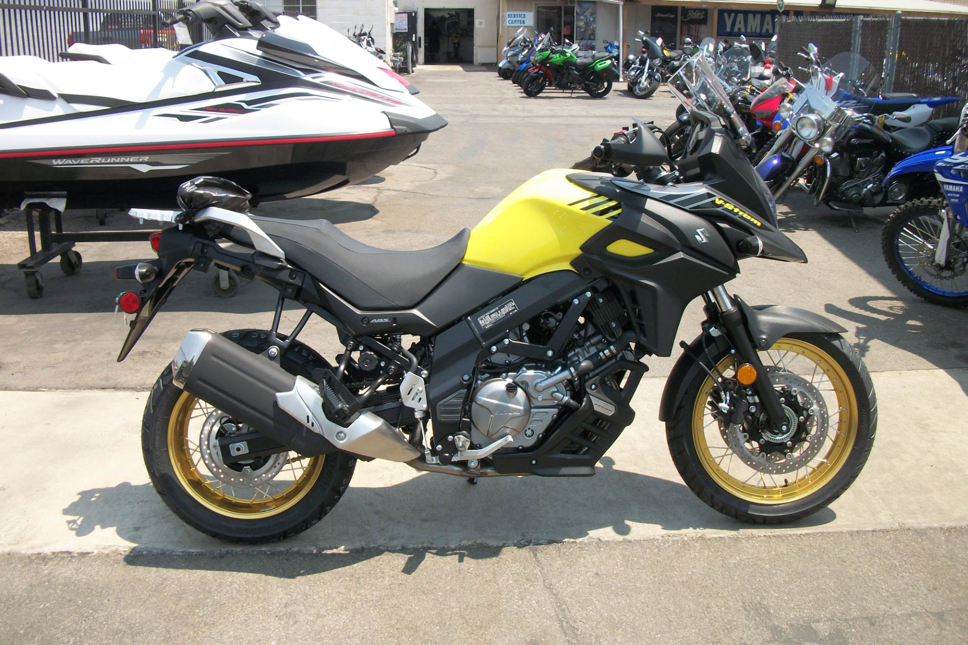 2018 Suzuki V-Strom 650XT in Simi Valley, California - Photo 1