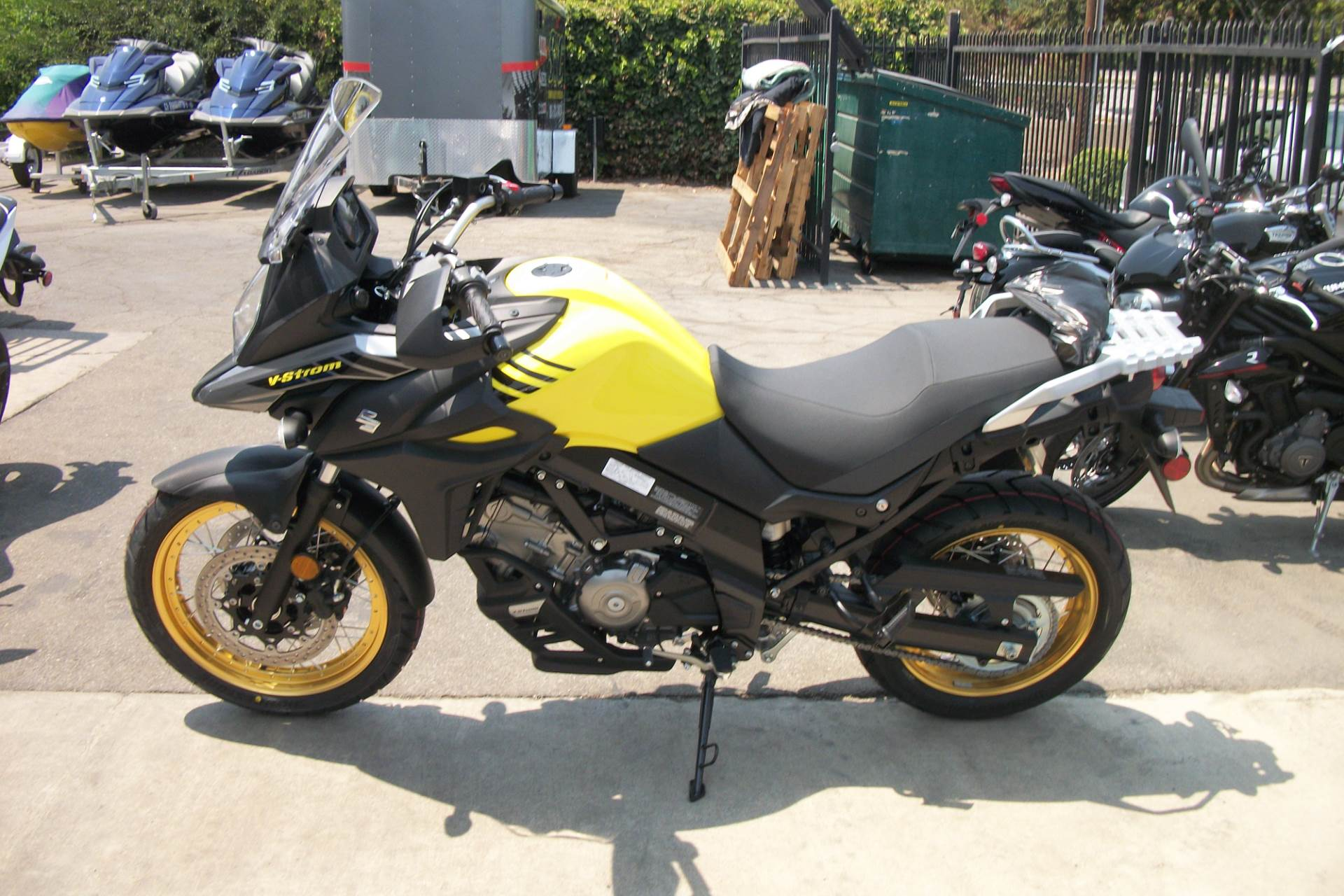 2018 Suzuki V-Strom 650XT in Simi Valley, California - Photo 2