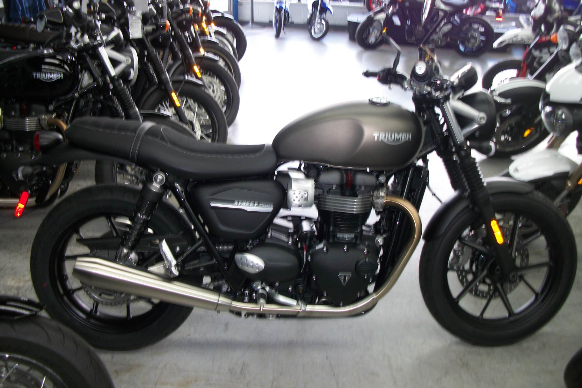 2019 Triumph Street Twin 900 in Simi Valley, California - Photo 1