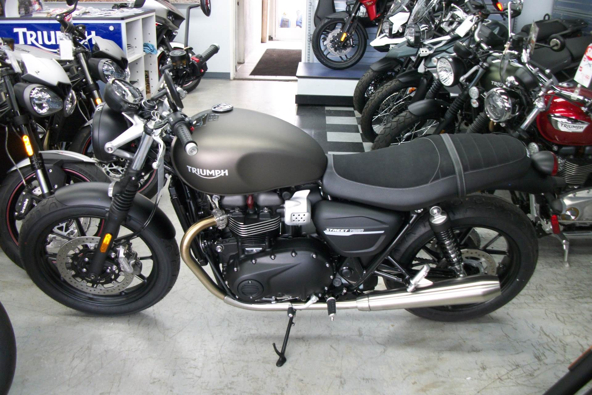 2019 Triumph Street Twin 900 in Simi Valley, California - Photo 2