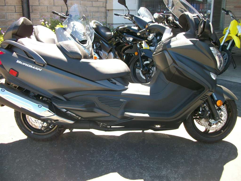 2016 Suzuki Burgman 650 Executive ABS in Simi Valley, California