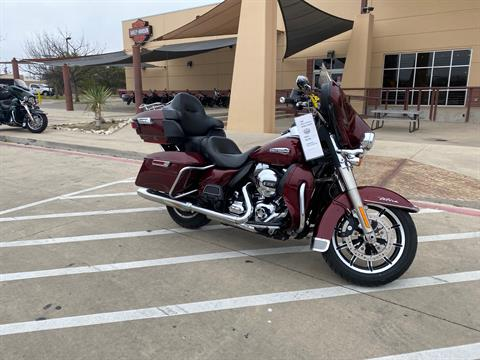 2015 Harley-Davidson Electra Glide® Ultra Classic® Low in San Antonio, Texas - Photo 2