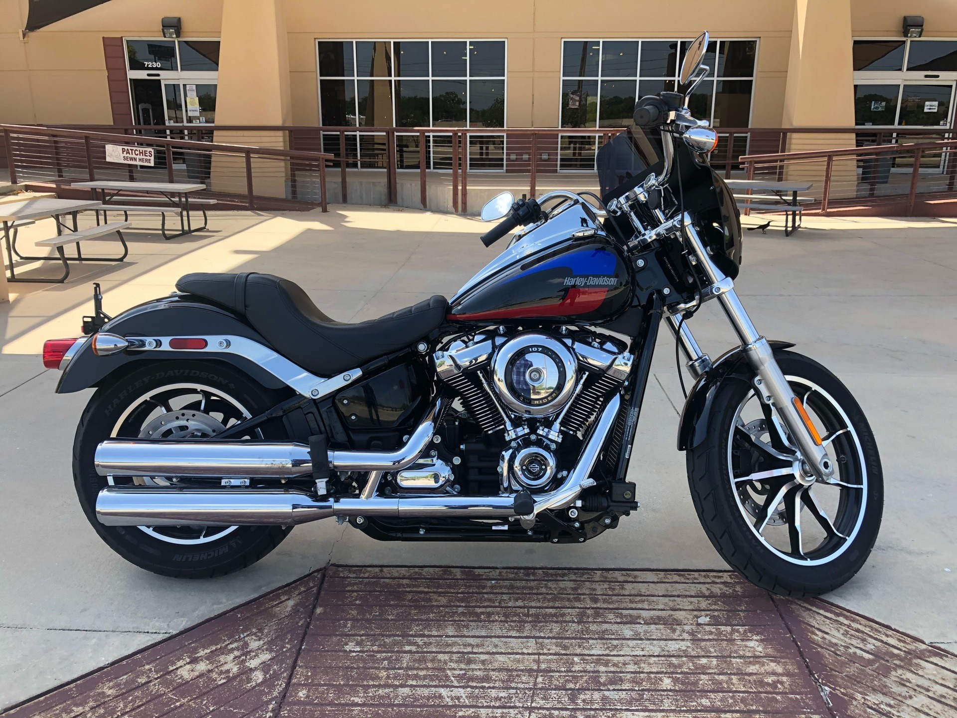 2019 Harley-Davidson Low Rider® in San Antonio, Texas - Photo 3