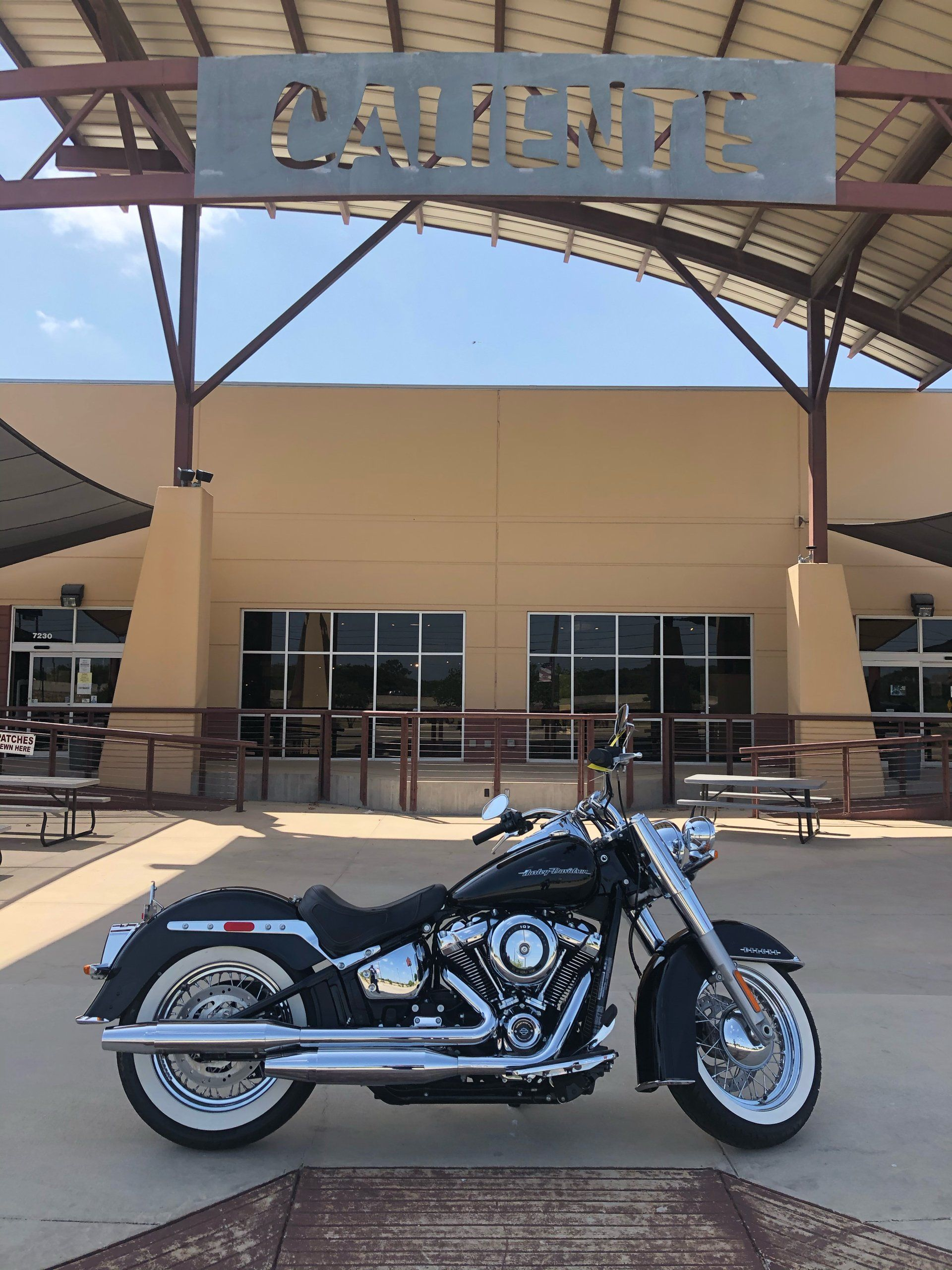 2018 Harley-Davidson Softail® Deluxe 107 in San Antonio, Texas - Photo 2