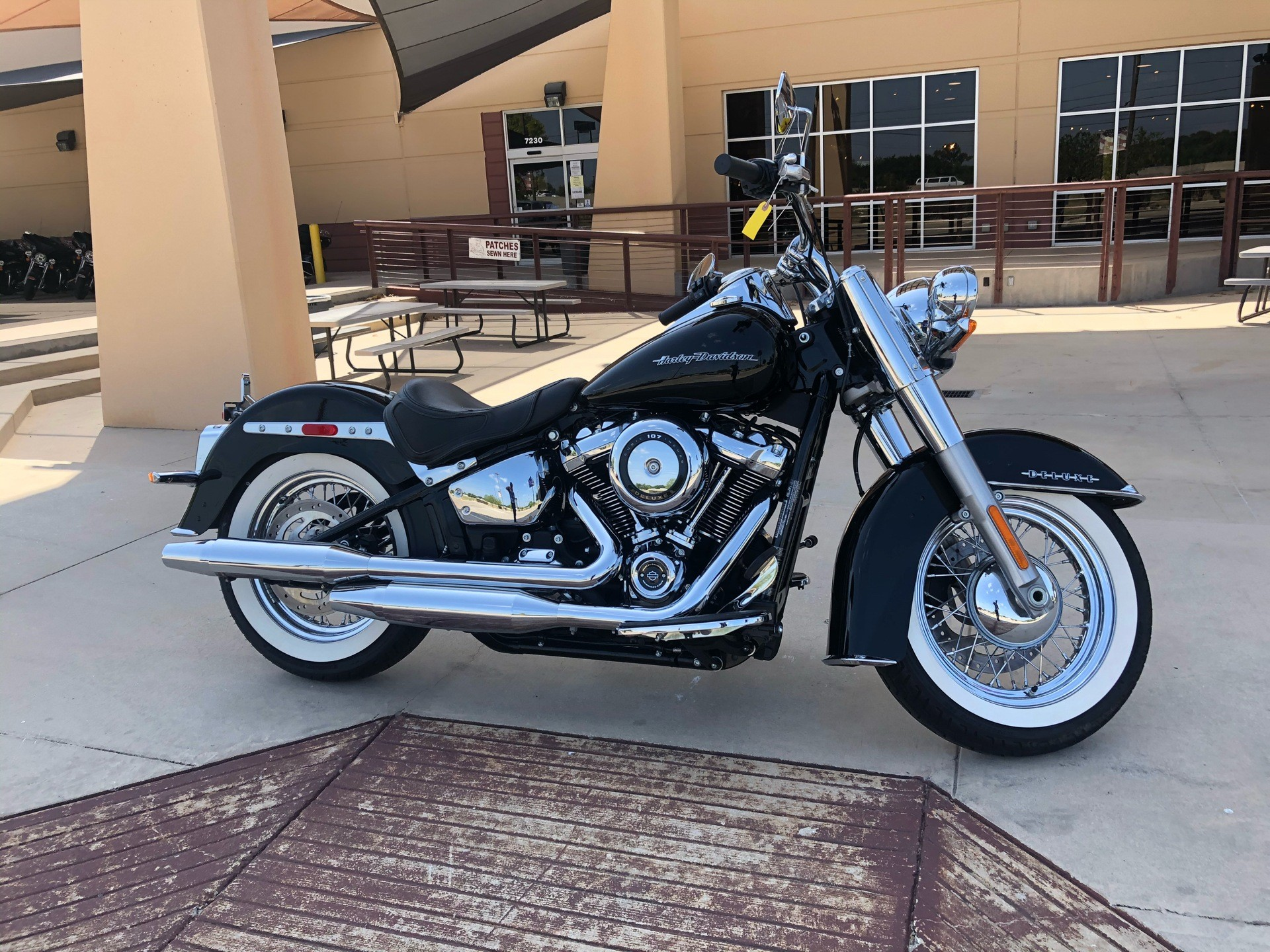 2018 Harley-Davidson Softail® Deluxe 107 in San Antonio, Texas - Photo 4