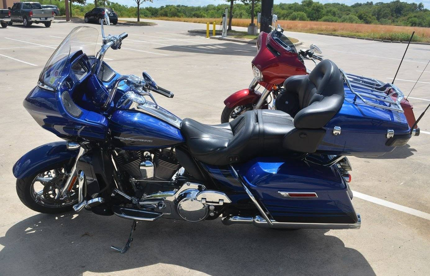 2015 Harley-Davidson CVO Road Glide Ultra in San Antonio, Texas - Photo 6