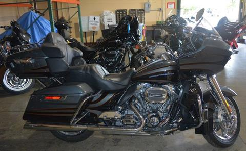 2016 Harley-Davidson Road Glide Ultra in San Antonio, Texas - Photo 2