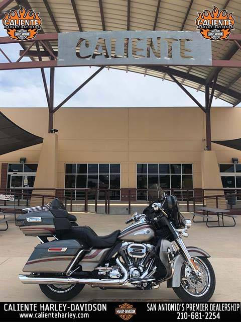 2016 Harley-Davidson CVO™ Limited in San Antonio, Texas - Photo 1