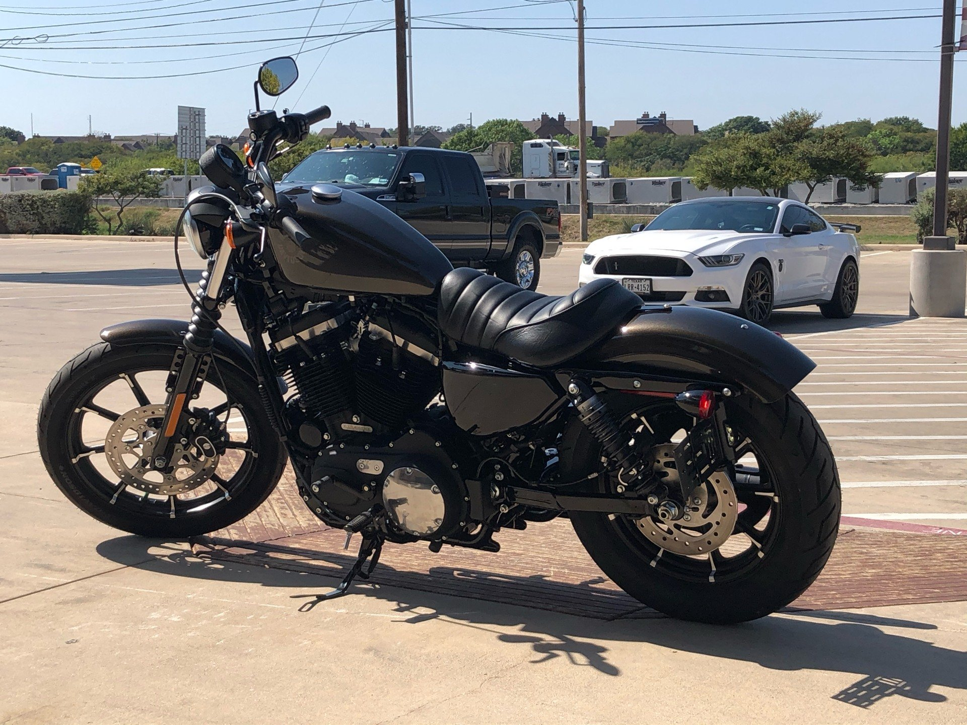 2020 Harley-Davidson Iron 883™ in San Antonio, Texas - Photo 12