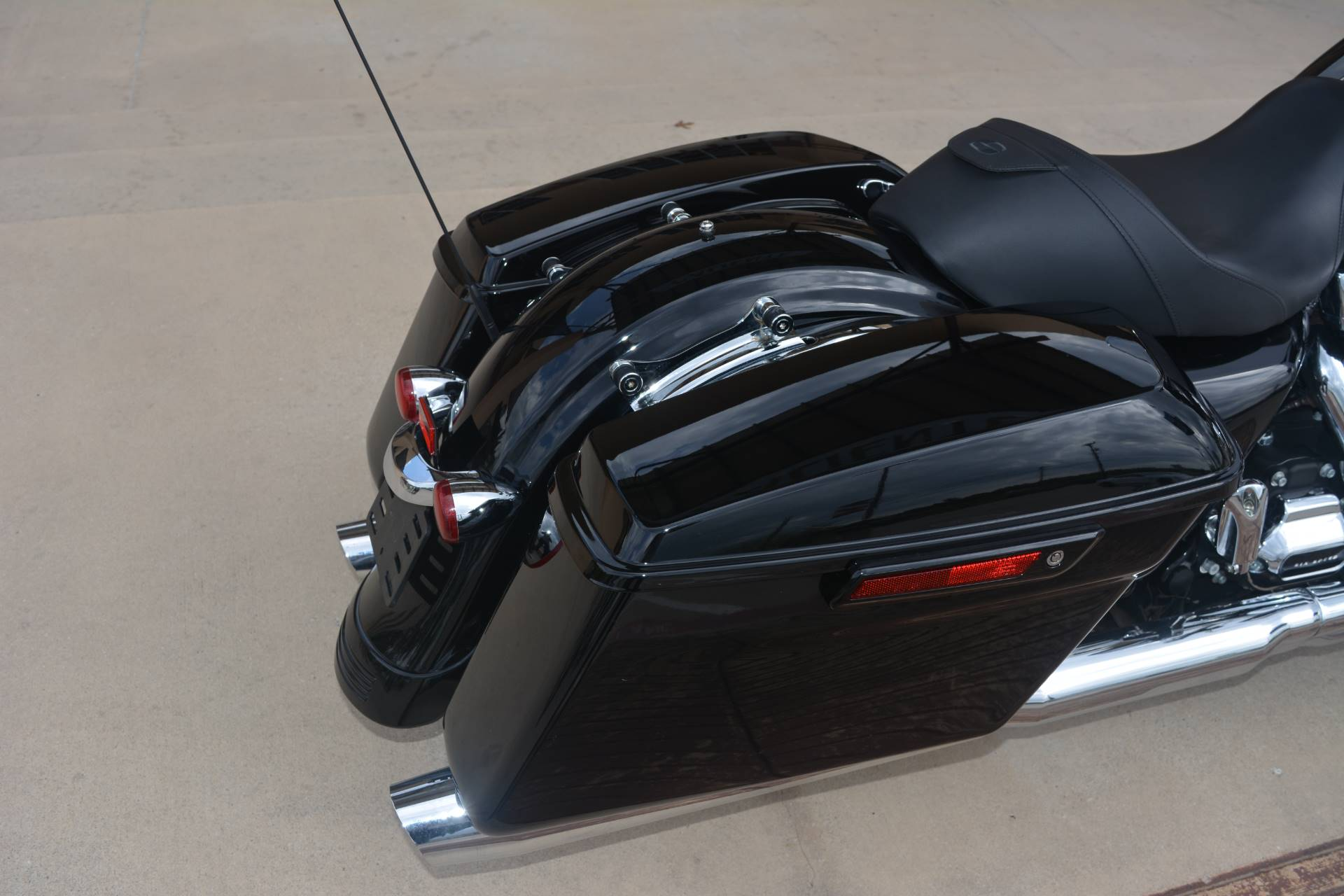 2017 Harley-Davidson Road Glide® Special in San Antonio, Texas - Photo 10