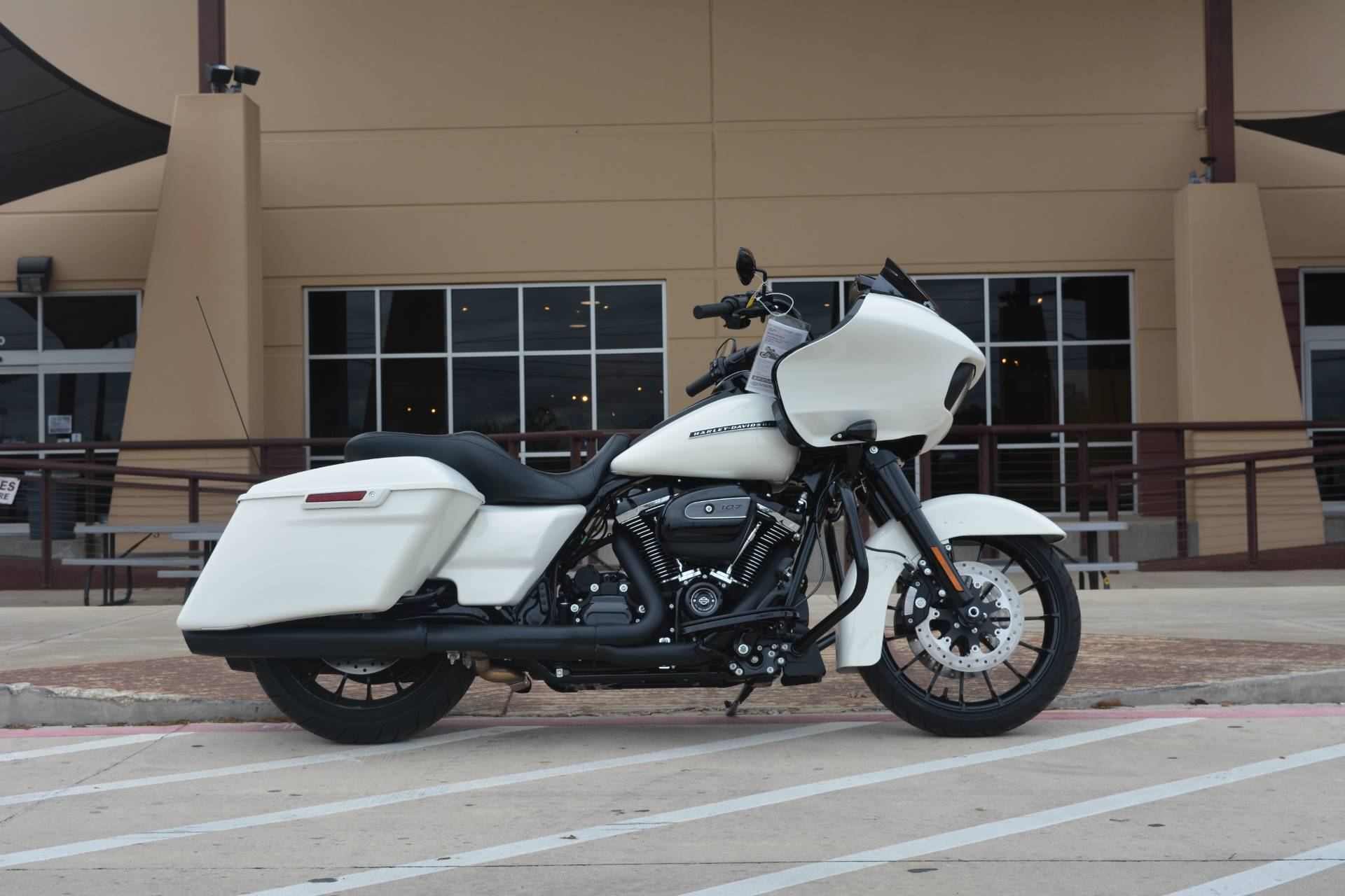 2018 Harley-Davidson Road Glide® Special in San Antonio, Texas - Photo 3