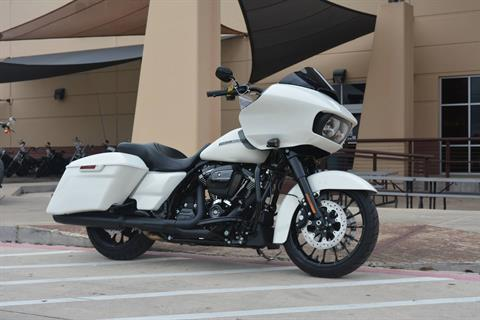 2018 Harley-Davidson Road Glide® Special in San Antonio, Texas - Photo 4