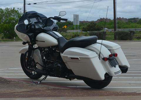 2018 Harley-Davidson Road Glide® Special in San Antonio, Texas - Photo 11