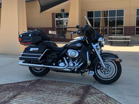 2013 Harley-Davidson Electra Glide® Ultra Limited in San Antonio, Texas - Photo 2