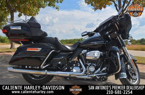 2017 Harley-Davidson Ultra Limited Low in San Antonio, Texas - Photo 1