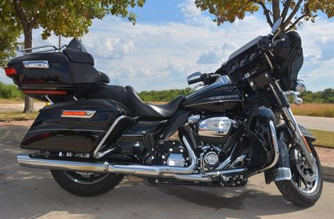 2017 Harley-Davidson Ultra Limited Low in San Antonio, Texas - Photo 6