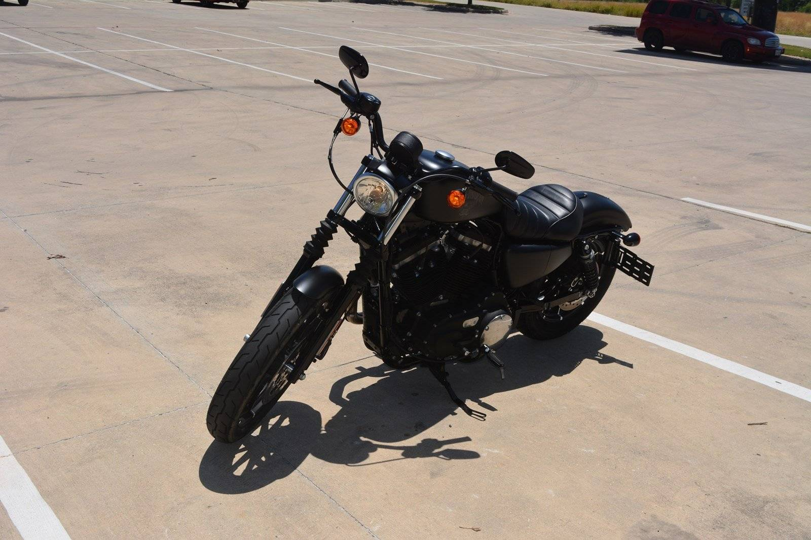 2018 Harley-Davidson Iron 883™ in San Antonio, Texas - Photo 7