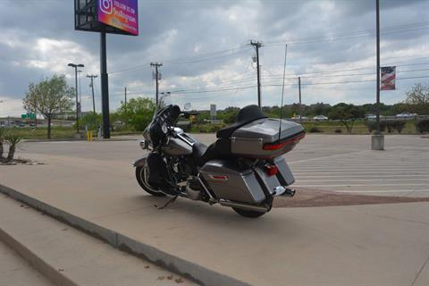 2017 Harley-Davidson Electra Glide® Ultra Classic® in San Antonio, Texas - Photo 12
