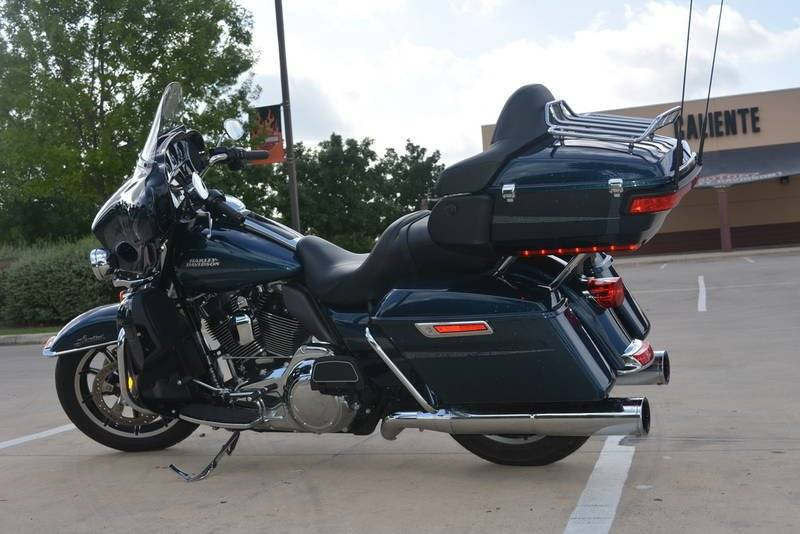 2016 Harley-Davidson Ultra Limited in San Antonio, Texas - Photo 6