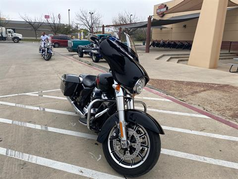 2019 Harley-Davidson Electra Glide® Standard in San Antonio, Texas - Photo 4