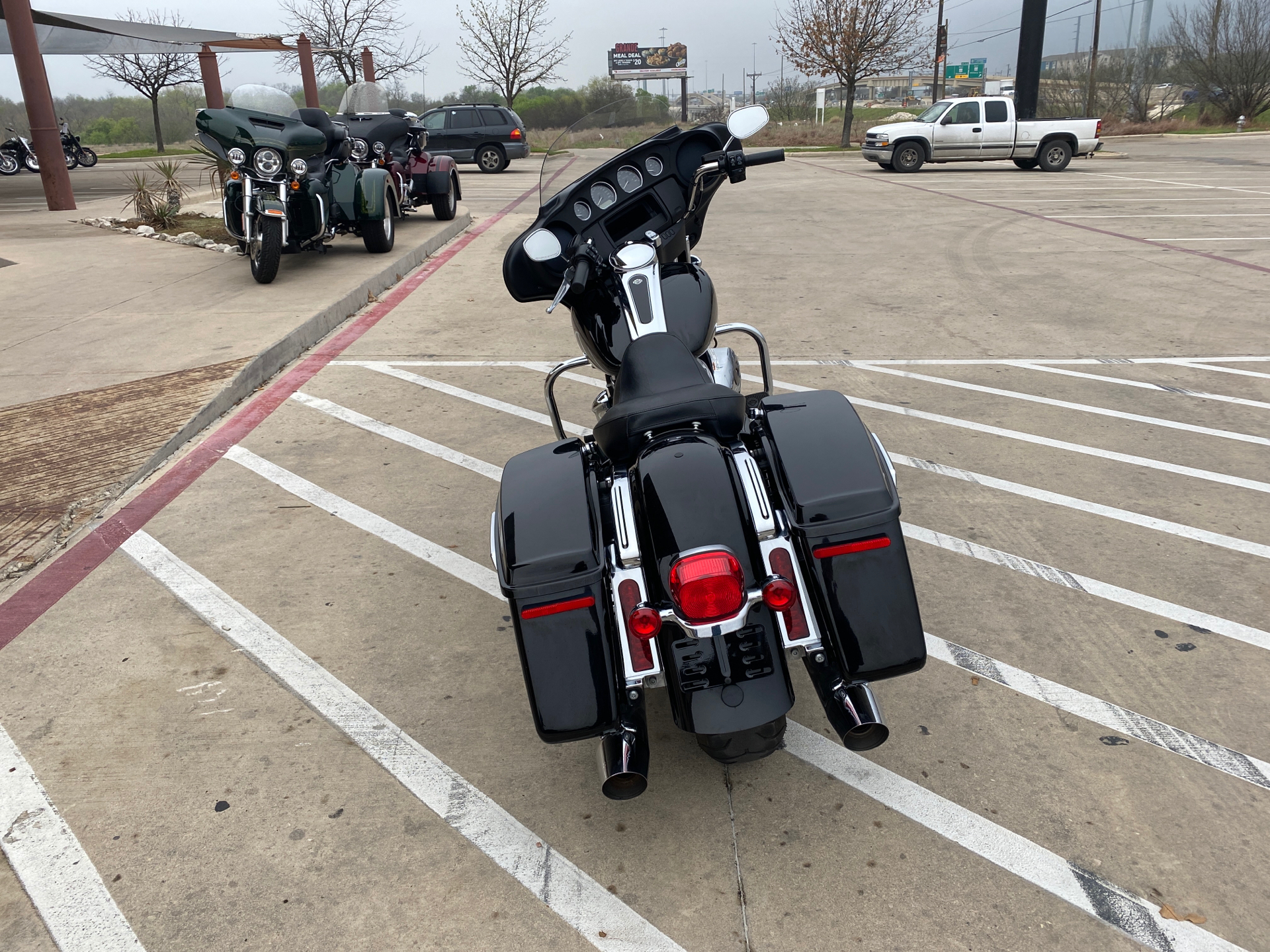 2019 Harley-Davidson Electra Glide® Standard in San Antonio, Texas - Photo 8